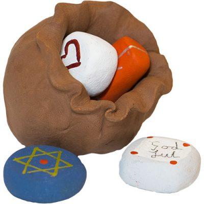 Säck med 4 paket tillhörande Tomtefamiljen från Yourstone Keramik