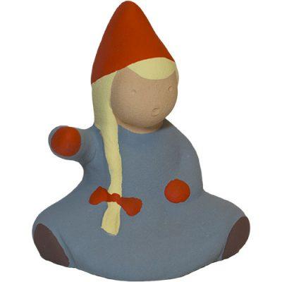 Tomteflicka sittande tillhörande Tomtefamiljen från Yourstone Keramik