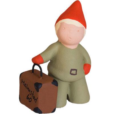 Tomtepojke med resväska, jubileumstomte från Yourstone Keramik